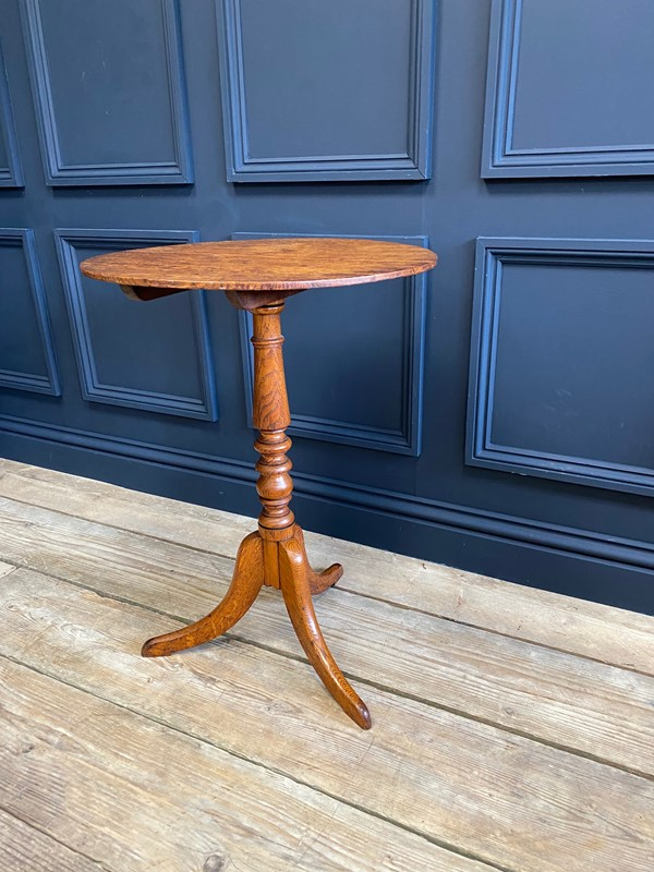 18th C Oak Tilt Top Occasional Table-the-orangery-img-0754-main-637515987705990489.jpg