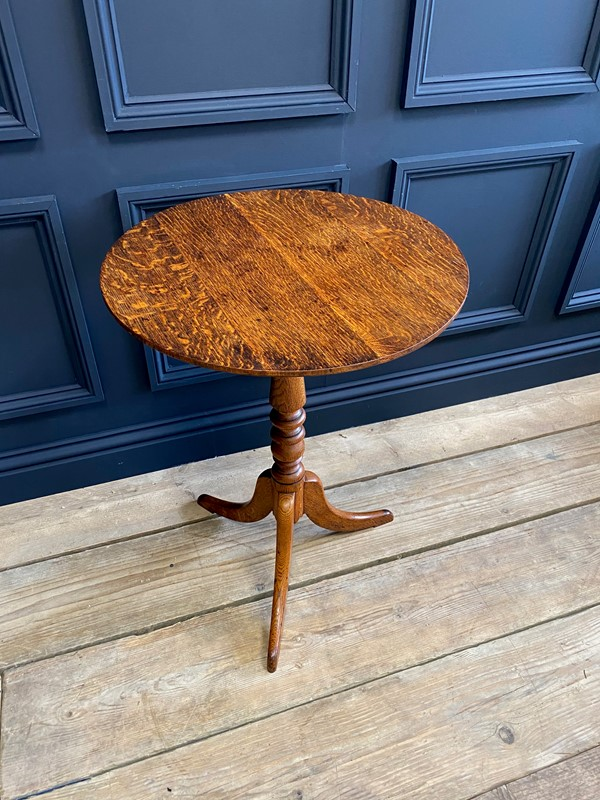 18th C Oak Tilt Top Occasional Table-the-orangery-img-0761-main-637515988108644331.jpg