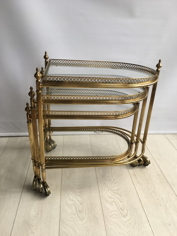 Beautiful nest of vintage brass tables/trolleys-the-vintage-trader-img-4522-main-636856591896999979.JPG