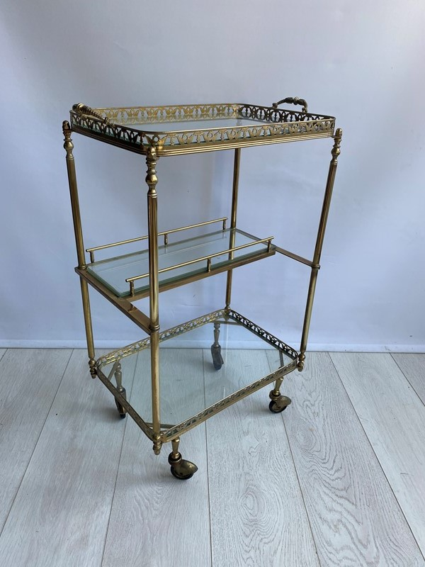 Vintage brass drinks trolley side table-the-vintage-trader-img-7834-main-637382782360406250.jpg