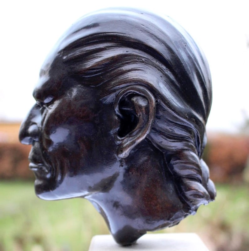 Bronze Bust of Native American Signed and Dated-tinker-toad-img-7993-master-main-637031233694515586.jpg