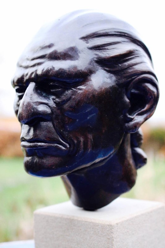 Bronze Bust of Native American Signed and Dated-tinker-toad-img-7999-master-main-637031233762795555.jpg