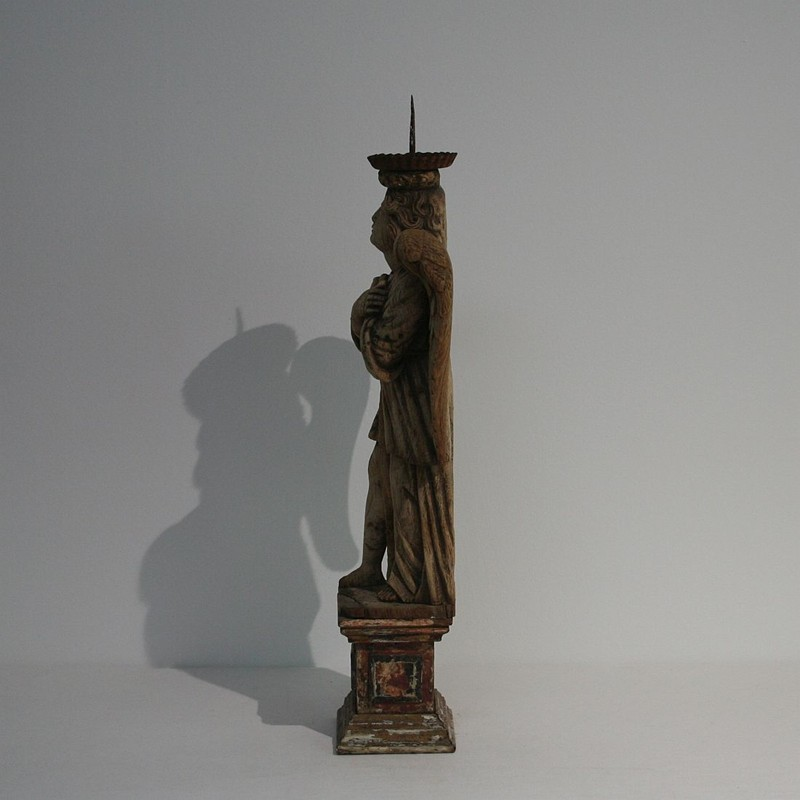18th Century Weathered Oak Angle With Candleholder-tresors-trouves-180208.4-main-636739985152837758.JPG