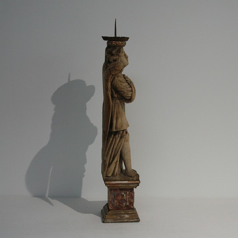 18th Century Weathered Oak Angle With Candleholder-tresors-trouves-180208.6-main-636739985169062590.JPG