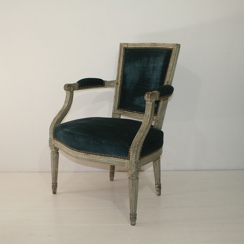 18th Century French Pair Of Louis XVI Chairs-tresors-trouves-180210.23-main-636739965853400094.JPG