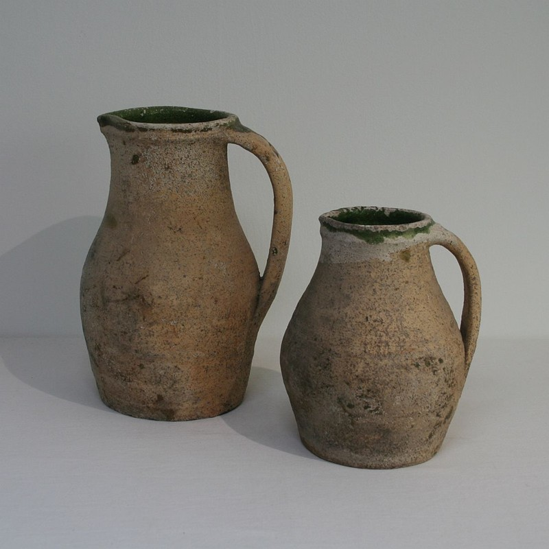 Primitive Earthenware Pitchers-tresors-trouves-180217.0-main-636715744779811682.JPG
