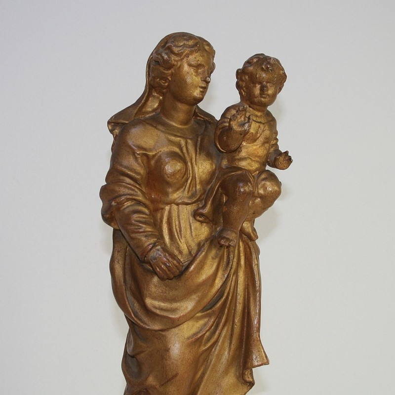 18th Century Carved Wooden Madonna With Child-tresors-trouves-180252.7-main-636740018890503806.JPG
