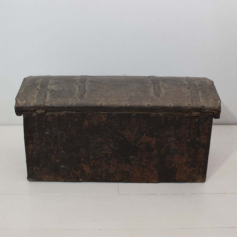 17th/ 18th Century Spanish Iron Strongbox-tresors-trouves-1903624-main-637254719283076469.JPG