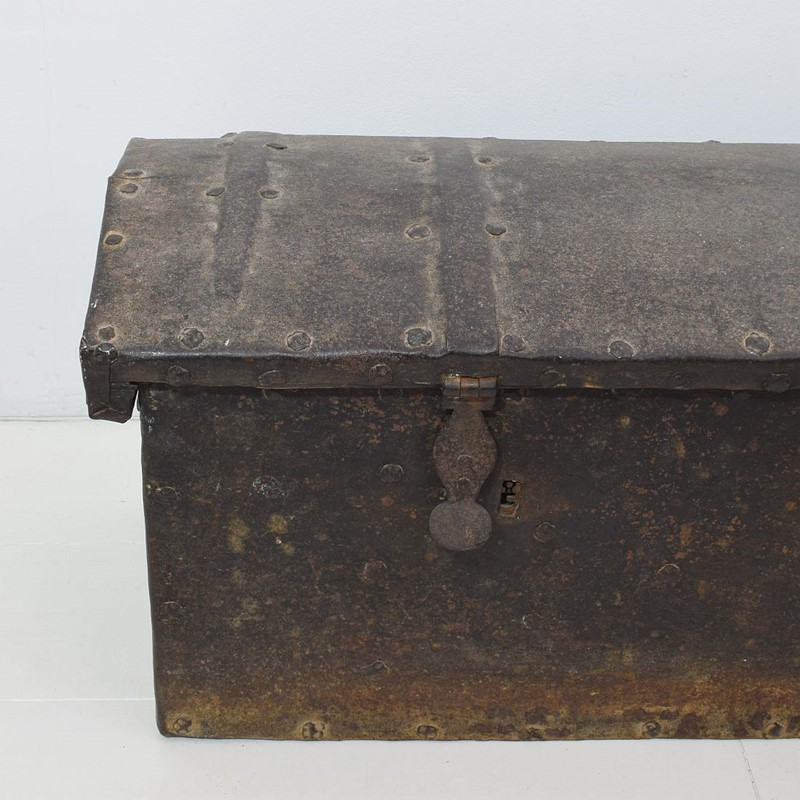 17th/ 18th Century Spanish Iron Strongbox-tresors-trouves-1903627-main-637254719664309743.JPG