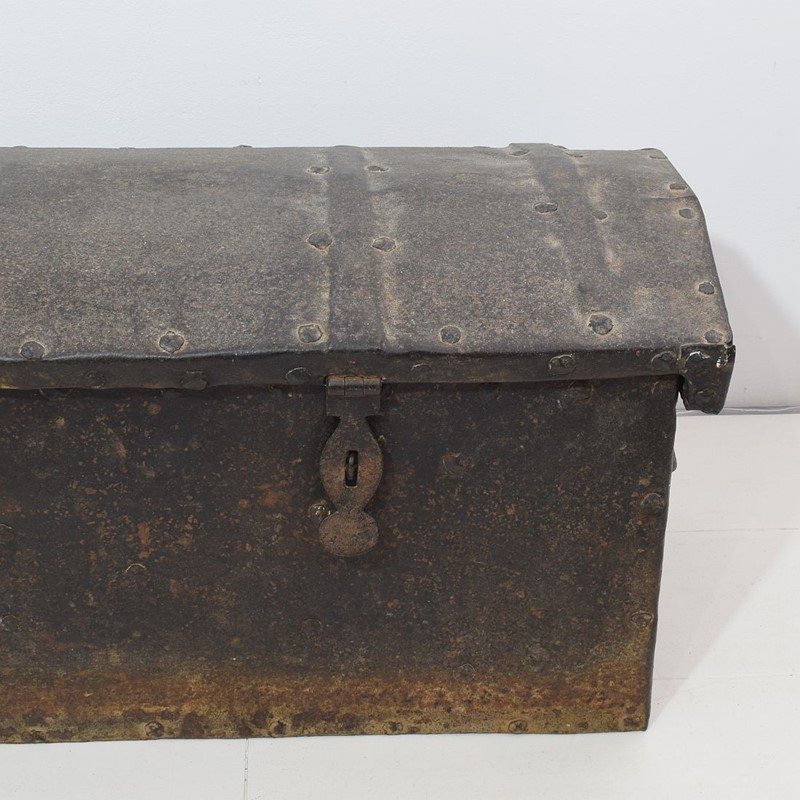 17th/ 18th Century Spanish Iron Strongbox-tresors-trouves-1903628-main-637254719668684300.JPG