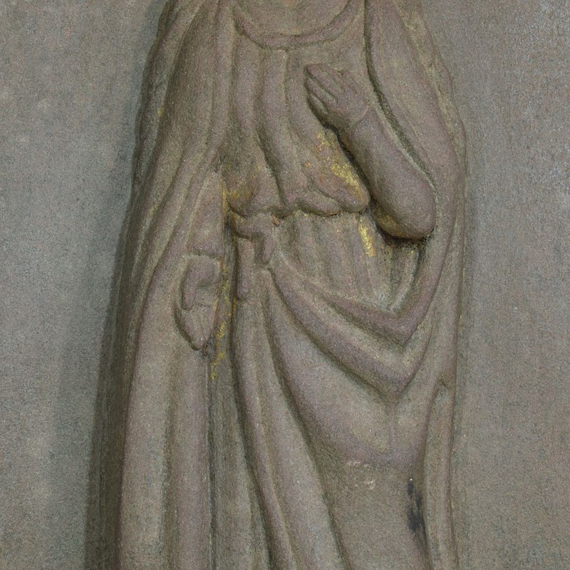 18th-19th Century Sandstone Panel with a madonna-tresors-trouves-20045114-main-637473638995427430.JPG
