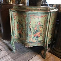 19th Century Venetian Sepentine Commode