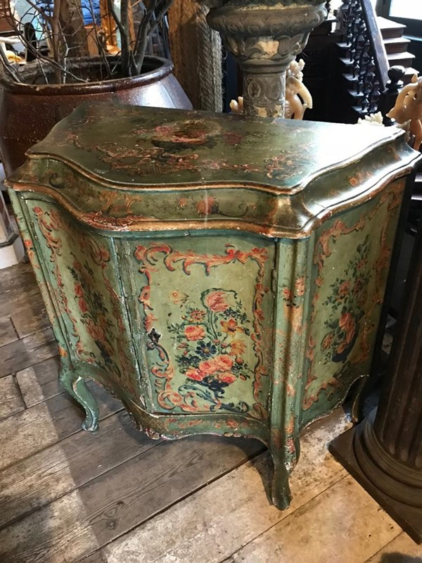 19th Century Venetian Sepentine Commode-twig-ltd-beautiful-19th-century-venetian-sepentine-commode-0-3-main-637394843681083464.jpg