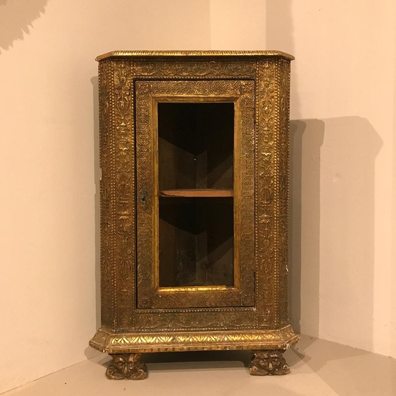 19th Century Italian Corner Cupboard-twig-ltd-giltwood-c19th-italian-corner-cupboard-26-1-main-637394772628592144.jpg