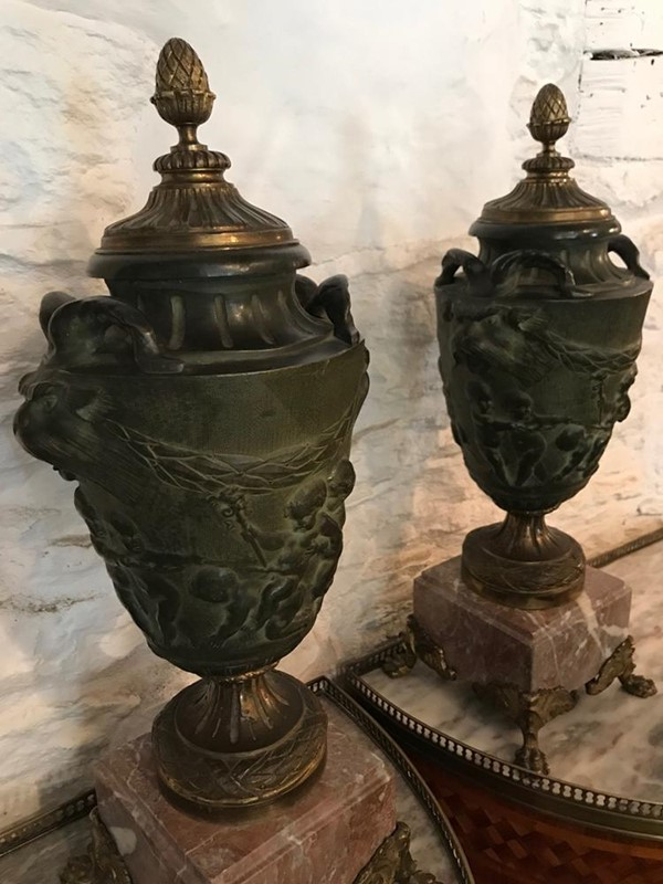 Pair of 19th Century Italian Bronze Urns-twig-ltd-pair-stunning-19th-century-italian-bronze-urns-5-2-main-637431083713736539.jpg