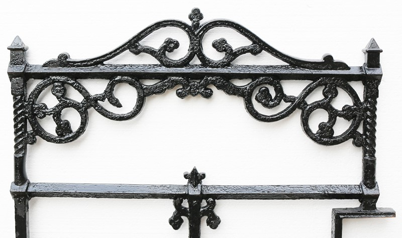 Victorian Antique Cast Iron Gate-uk-heritage--25028-13-main-636882384614289456.JPG