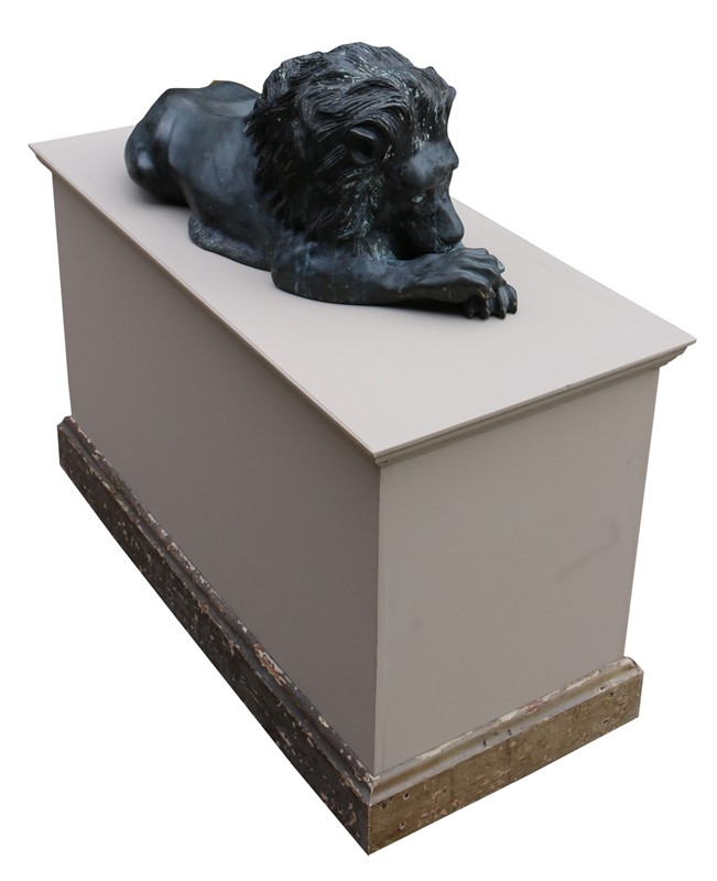 Bronze Lions In The Manner Of  Antonio Canova-uk-heritage-19386-5-main-636869593276220960.JPG