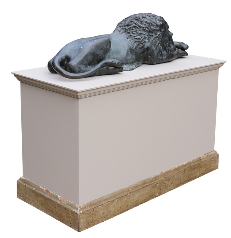 Bronze Lions In The Manner Of  Antonio Canova-uk-heritage-19386-9-main-636869593305593709.JPG