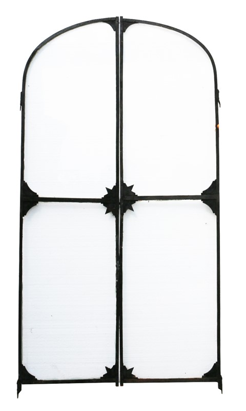 Pair Of French Wrought Iron Arched Gates -uk-heritage-19852-6-main-636929250302499418.JPG