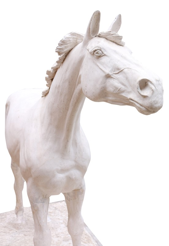 A Plaster Half Life Size Maquette Of Red Rum -uk-heritage-22776-4-main-636861773015555262.JPG