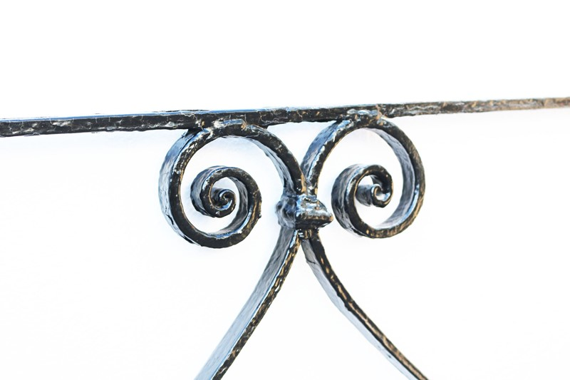 Two Antique Wrought Iron Railings-uk-heritage-24893-15-main-636898869962580399.JPG