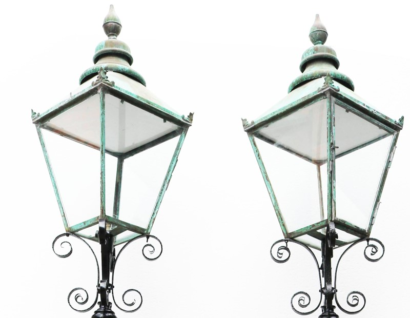 Pair Of Antique Reclaimed Lamp Posts-uk-heritage-27781-114-main-637012065188339857.JPG