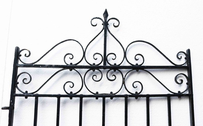 Antique Wrought Iron Pedestrian Gate-uk-heritage-28111-12-main-637049282586908048.JPG