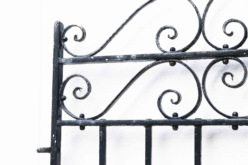 Antique Wrought Iron Pedestrian Gate-uk-heritage-28111-14-main-637049282661439440.JPG