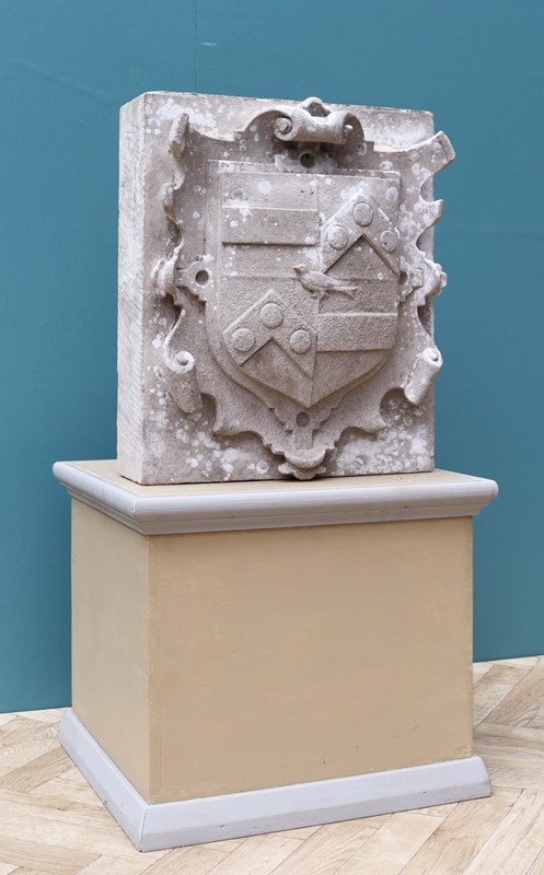 An Antique English Carved Stone Armorial Plaque-uk-heritage-29100-11-main-637184980494427814.JPG