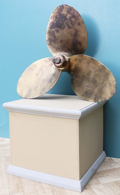 A Salvaged Bronze Boat Propeller 21″-uk-heritage-29105-13-main-637184984891323384.JPG