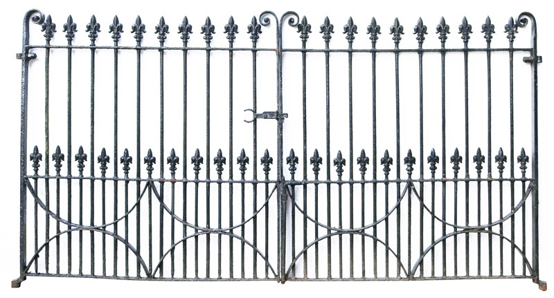 A Set of 10 ft Antique Wrought Iron Driveway Gates-uk-heritage-300081-main-637232371720232304.JPG