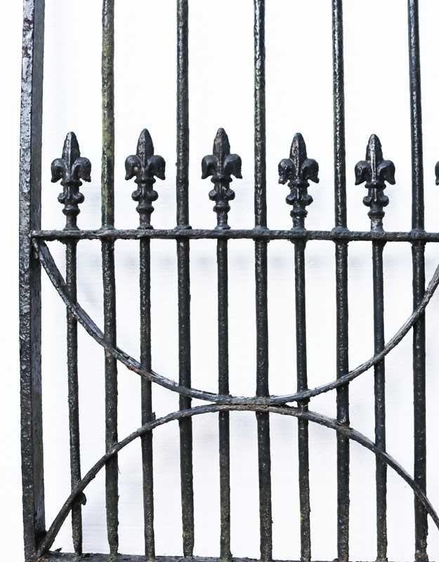 A Set of 10 ft Antique Wrought Iron Driveway Gates-uk-heritage-300085-main-637232372127886323.JPG