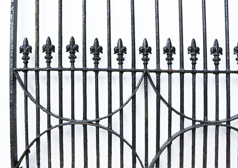 A Set of 10 ft Antique Wrought Iron Driveway Gates-uk-heritage-300086-main-637232372167104493.JPG