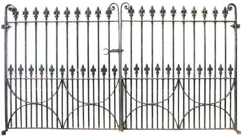 A Set of 10 ft Antique Wrought Iron Driveway Gates-uk-heritage-300105-main-637232374179749034.JPG