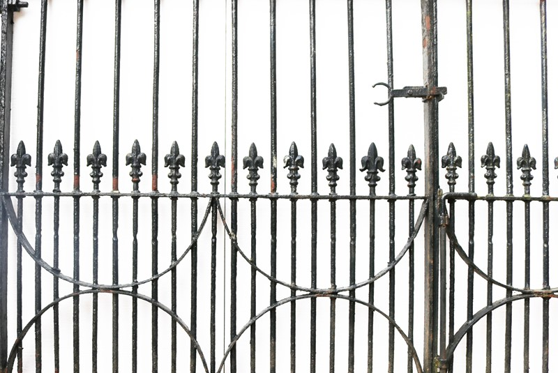 A Set of 10 ft Antique Wrought Iron Driveway Gates-uk-heritage-300106-main-637232374548027947.JPG