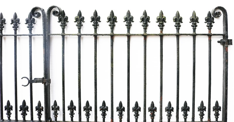 A Set of 10 ft Antique Wrought Iron Driveway Gates-uk-heritage-300108-main-637232374663183279.JPG