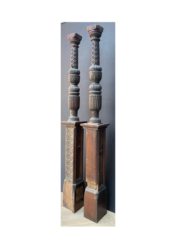 A Pair of Tudor Period Carved Oak Bed Posts-uk-heritage-30108-13-main-637248941026066160.JPG
