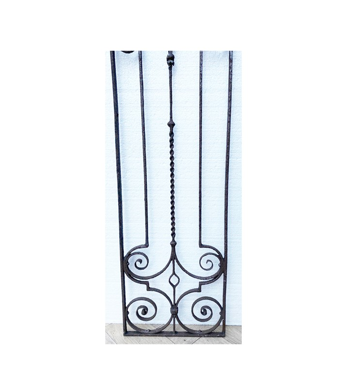 A Pair of Georgian Wrought Iron Panels-uk-heritage-30112-15-main-637249789532036607.JPG