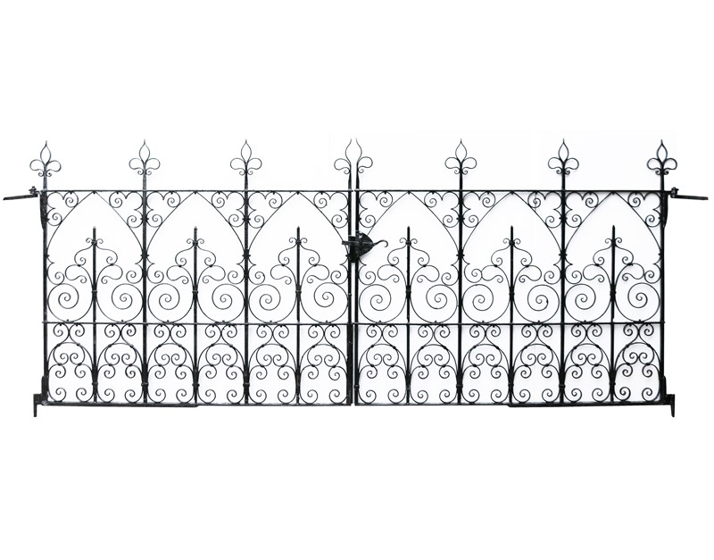 A Set of Reclaimed Wrought Iron Driveway Gates -uk-heritage-30192-12-main-637290328145987838.JPG