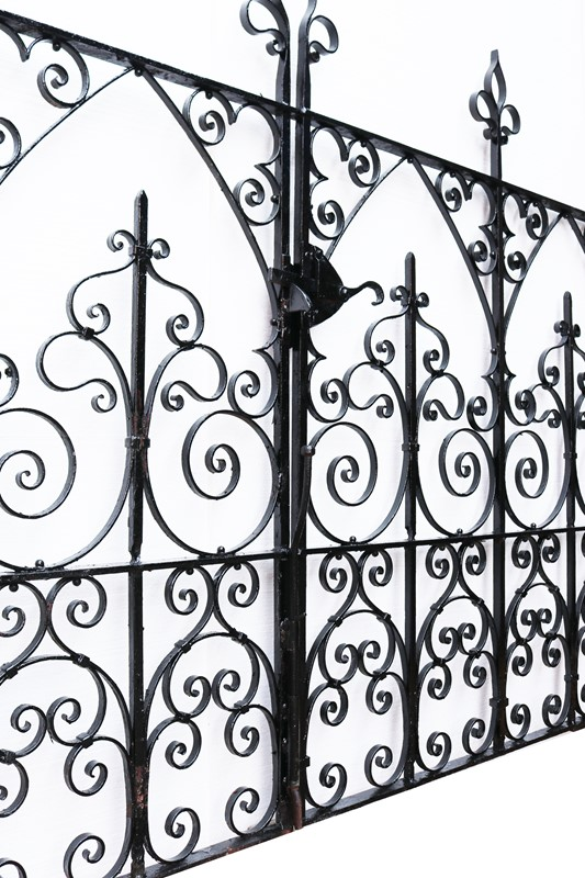 A Set of Reclaimed Wrought Iron Driveway Gates -uk-heritage-30192-19-main-637290328528800672.JPG