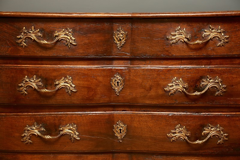 18th Century Walnut Commode-vagabond-846a3561-main-636853133812850701.jpg