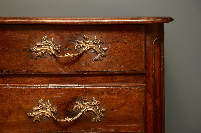 18th Century Walnut Commode-vagabond-846a3562-main-636853133857225302.jpg