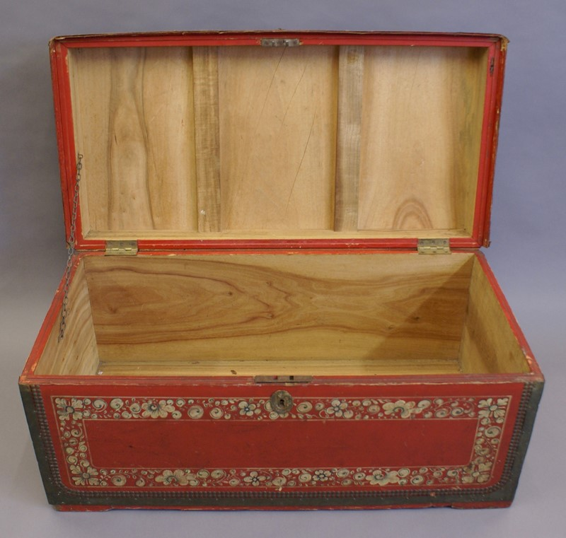 Leather and camphor Chinese-Export Trunk-w-j-gravener-antiques-dsc02641-main-636888752292258142.jpg
