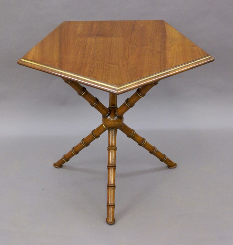 A Gypsy table by Howard & Sons-w-j-gravener-antiques-dsc04452-main-637121833636610352.jpg