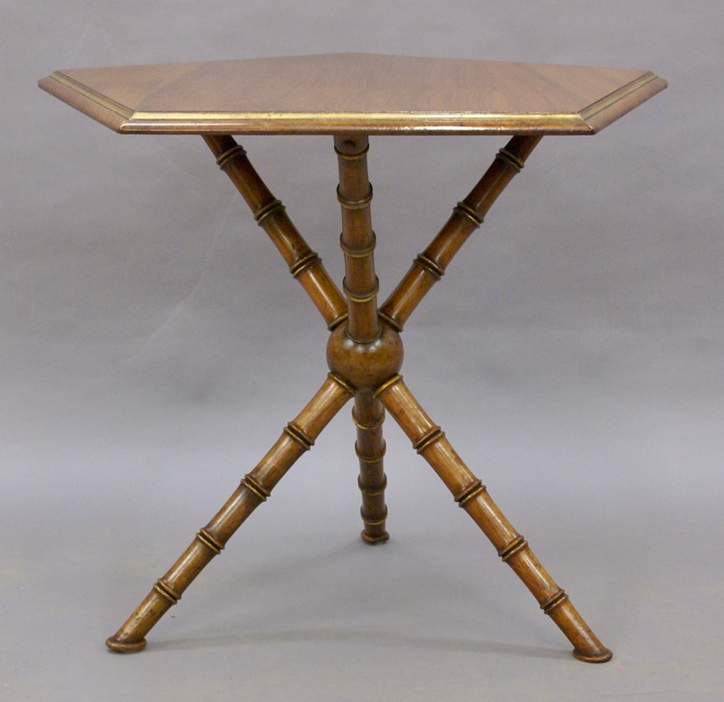 A Gypsy table by Howard & Sons-w-j-gravener-antiques-dsc04454-main-637121833793656936.jpg
