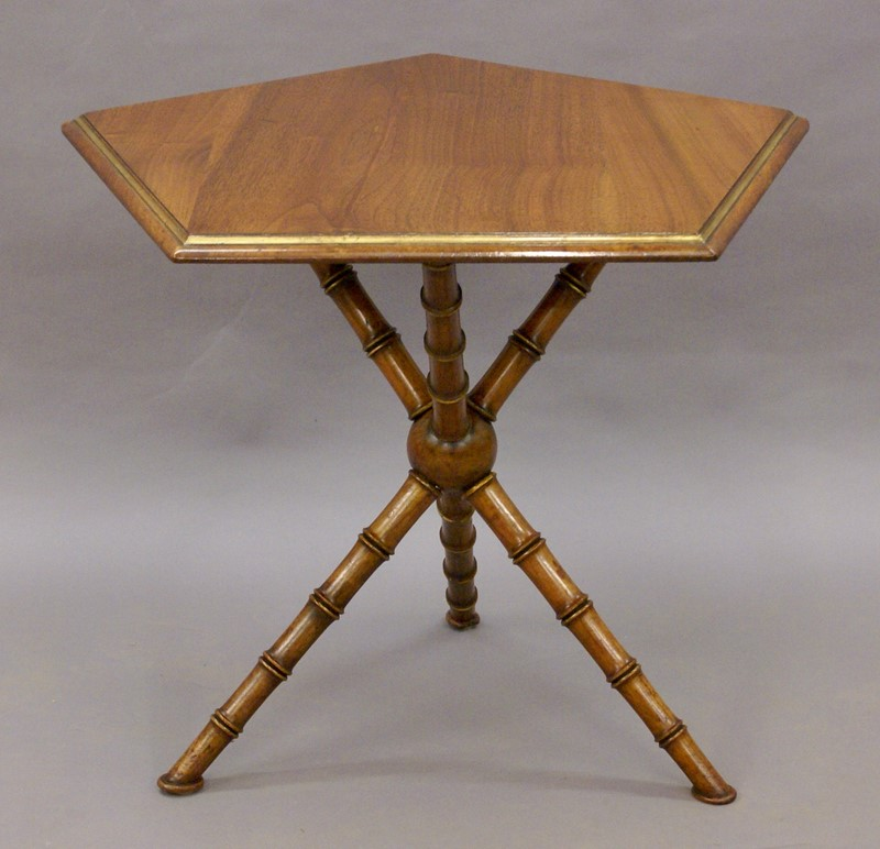A Gypsy table by Howard & Sons-w-j-gravener-antiques-dsc04455-main-637121833722719670.jpg