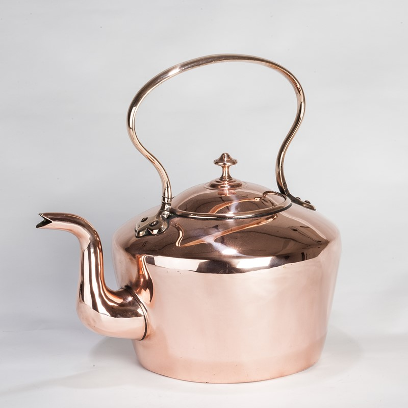 A Larger than usual Copper Kettle-walpoles-3603-main-636927752615287375.jpg