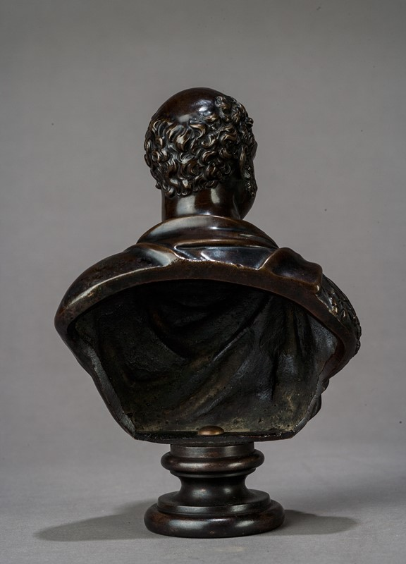 Bronze Bust of the Duke of York-walpoles-3824b-main-637115221013567407.jpg