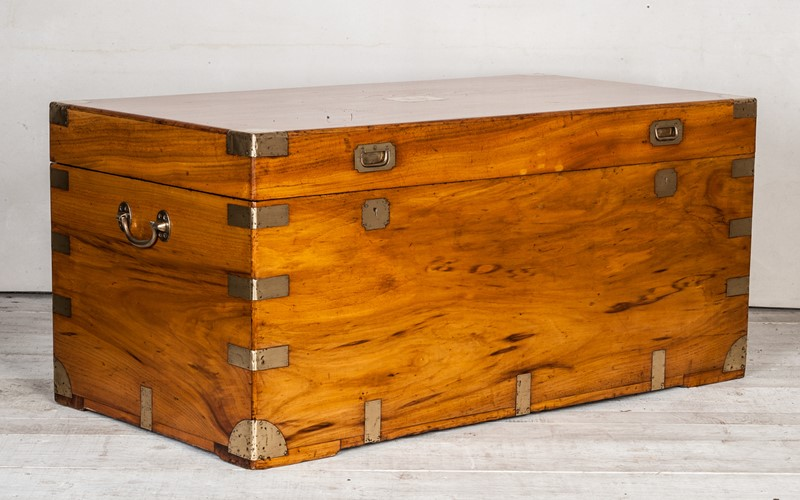 Fabulous Huge Camphorwood Chest by Sui Kee Chan-walpoles-3908-main-637190899742873952.jpg