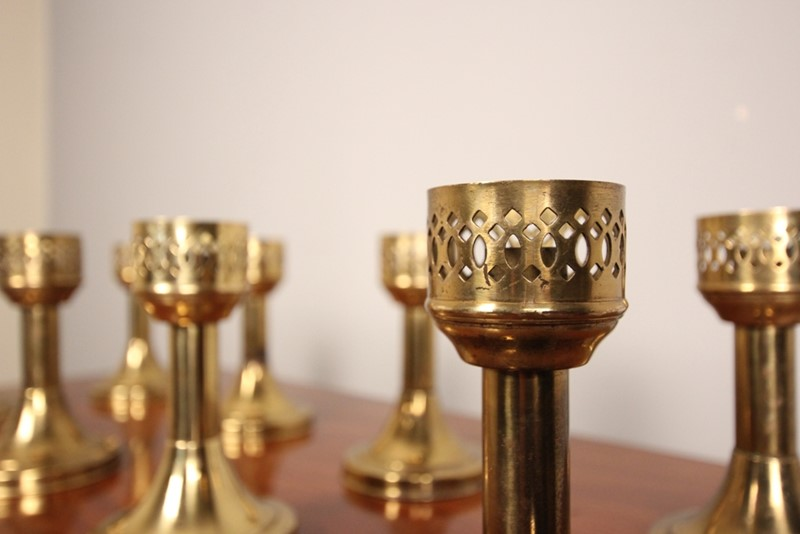 A run of 8 Decorative Brass Candlesticks-william-james-antiques-003-main-636958504112729659.JPG